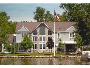 9970 Winston, Pinckney MI Home for Sale on Portage Lake