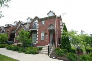 215 W Oakbrook, Ann Arbor MI Condo for sale at Balmoral Park