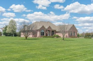 7450 Dell Road, Saline MI 48176 Home on 2 Acres for Sale