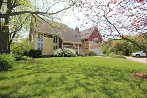 6363 Waters Rd., Ann Arbor MI 48103 Remodeled Farmhouse for Sale